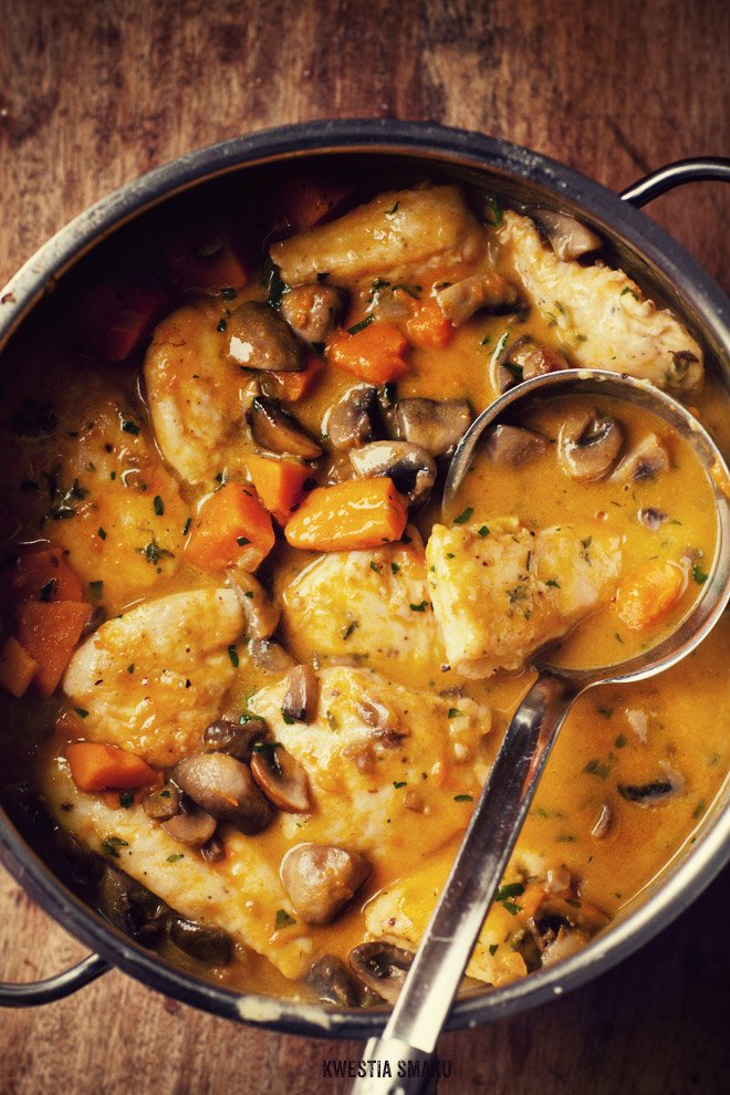 Pumpkin chicken and mushrooms. 9 Salty & Savory Pumpkin Recipes that aren't Desserts: Fall is here and pumpkin is everywhere! I love it! I always forget that you can cook dishes with pumpkin that aren't desserts or overly sweet. Making pumpkin the star of the dinner is so fast and easy. I like the tip to use pumpkin puree and mix it into an Alfredo sauce then making a delicious pizza. And OMG! Make mac and cheese with pumpkin it's the boom! Must try!