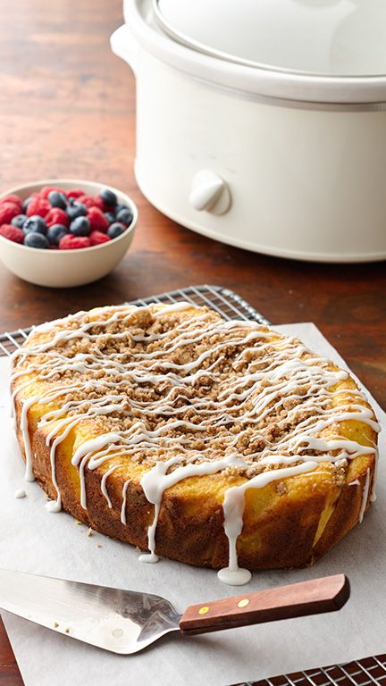 Slow Cooker Crumb Coffee Cake | Slow Cooker Dessert Recipes