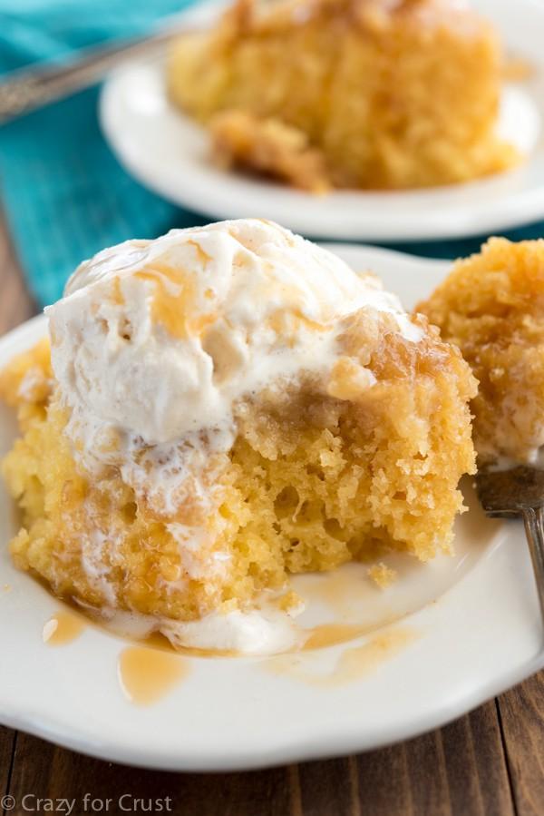 Slow Cooker Caramel Cake | Slow Cooker Desserts