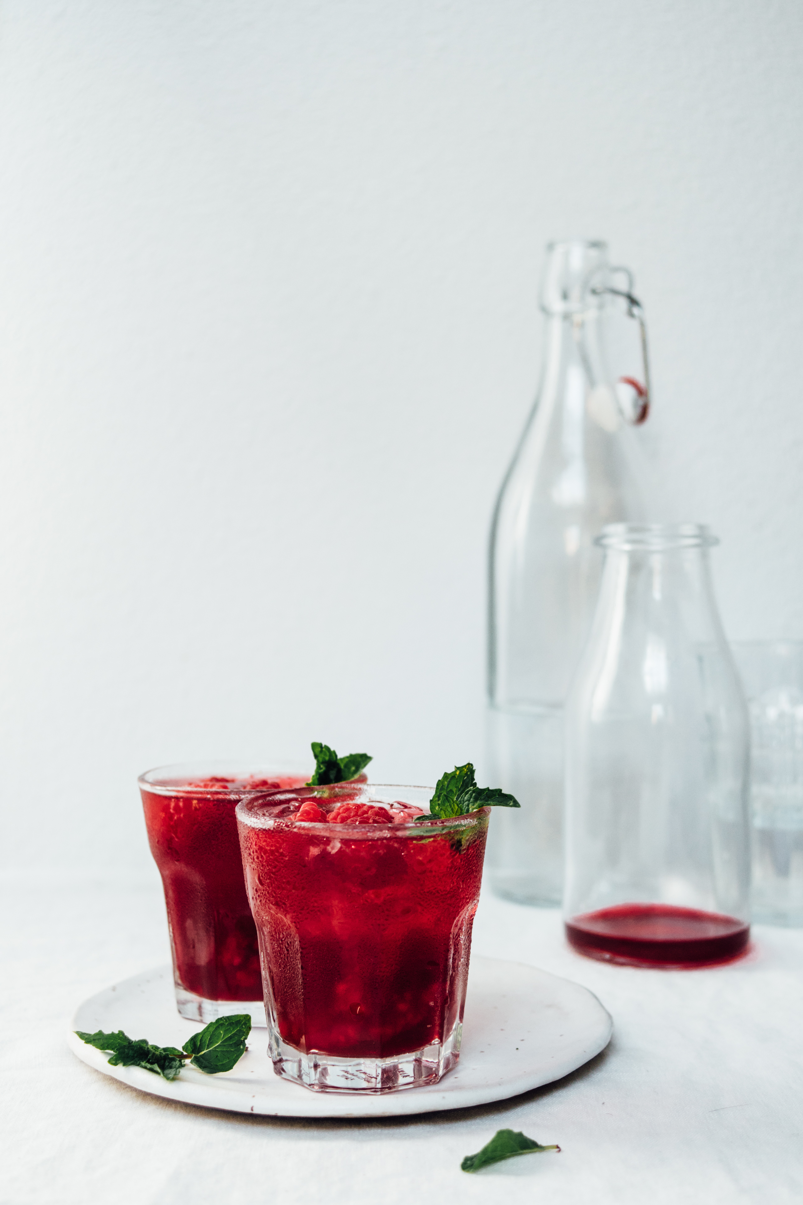 Raspberry and Fig Hibiscus Cooler | Mocktails Non-Alcoholic Drinks