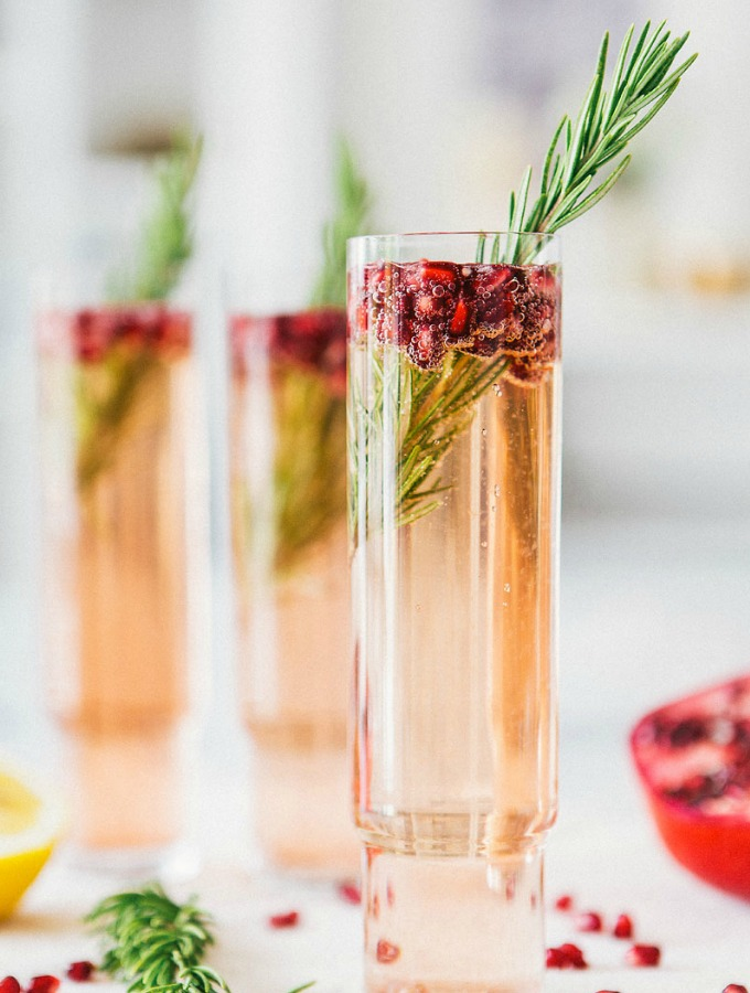 10 Christmas Cocktails Ready for a Crowd