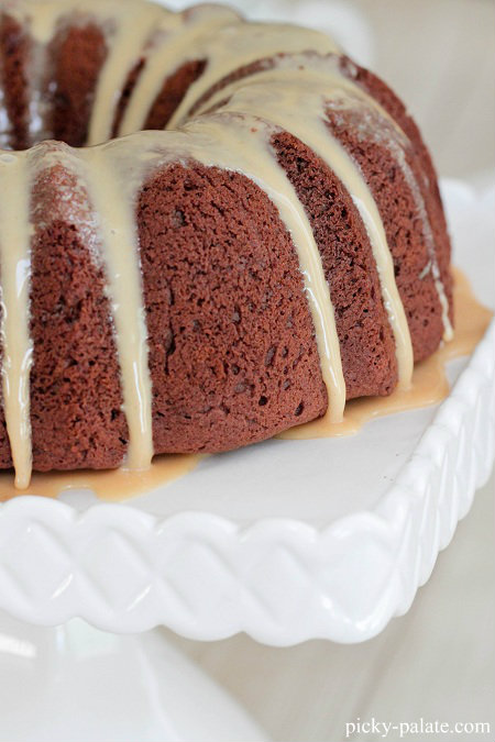 Chocolate Peanut Butter Bundt Cake   Bundt cakes are simple cakes that are perfect for any beginner baker. They come out beautiful every time. The bundt cake pan was originally designed for a thick, dense cake batter like a pound cake. These bundt cakes are foolproof recipes that are super impressive and taste delicious! So let's get started, here are 18 Bundt Cake Recipes That Anyone Can Make! #xokatierosario #easybundtcakerecipes #bundtcakesrecipes #bundtcakesdecorations