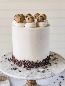 Chocolate Chip Cookie Dough Cake   Foolproof Cakes for Beginner Bakers eBook   Cake decorating tips and tricks for home bakers #xokatierosairo
