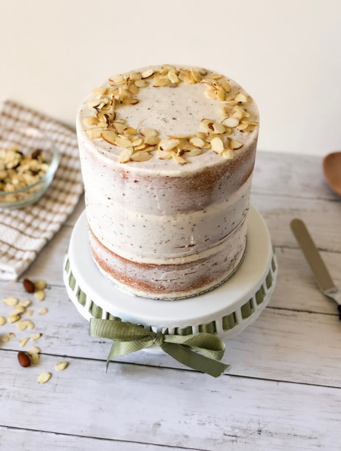 Fall is here, and this brown butter almond cake is the perfect way to introduce the new season! When it comes to decorating this cake seriously, anyone can make it. This decorating style is typically called a crumb coat or a