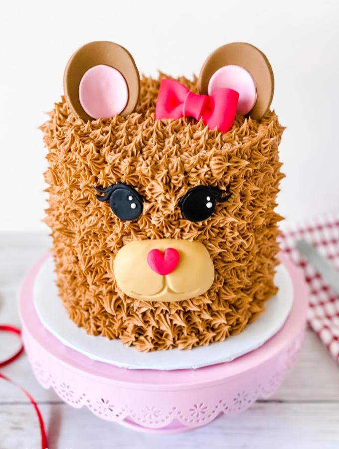 21 Simple Yet Impressive Kid Birthday Cake Ideas